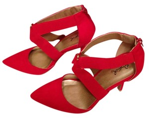 Qupid Puc Nwt Red Suede Pumps