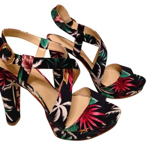 Bakers Nwt Floral Print Navy Multi Sandals