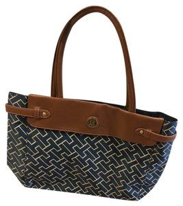 Tommy Hilfiger Tote in Navy Blue