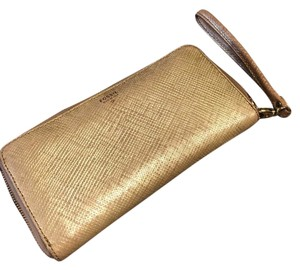 Fossil Wristlet in Gold