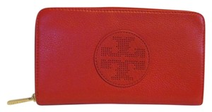 Tory Burch NWT TORY BURCH KIPP LEATHER ENVELOPE CLUTCH WALLET TORY RED