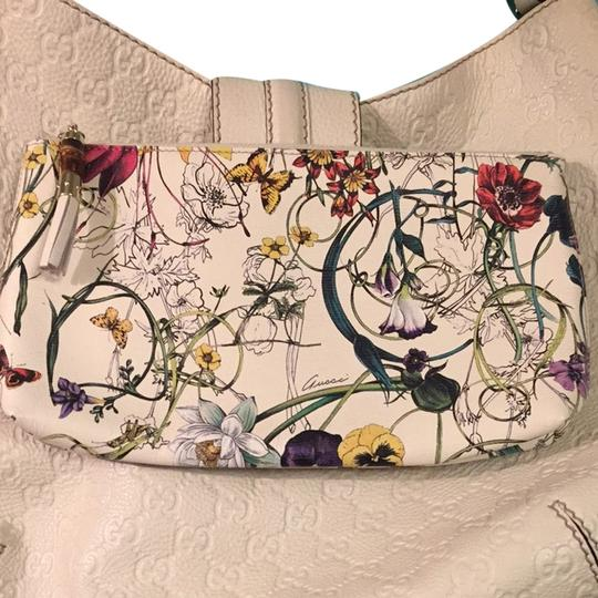 Gucci Ivory And Floral Clutch