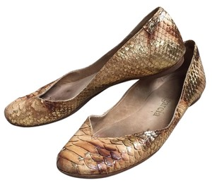 Pedro Garcia Gold / Brown Flats