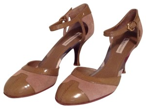 Burberry Tan/brown Pumps