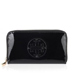 Tory Burch Stacked T Logo Patent Leather Black Zip Continental Wallet