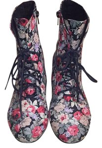 Charlotte Russe multi Boots