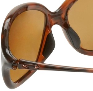 174af3ec8a1 Brown Oakley Sunglasses - Up to 70% off at Tradesy (Page 3)