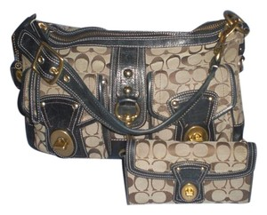Coach Satchel in khaki black