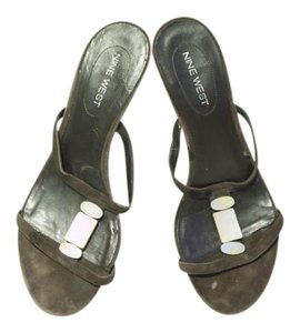 Nine West Shell Suede brown Sandals