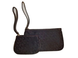 Tommy Hilfiger Wristlet in Black