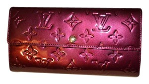 Louis Vuitton Louis Vuitton Sarah Long Vernis Rouge Vauviste Wallet EXC IN BOX