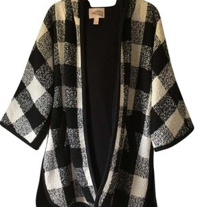 Forever 21 Poncho Cape Black And White Tunic