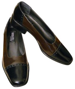 Vaneli Italian Leather Low Heel Sensible Spectator Pumps