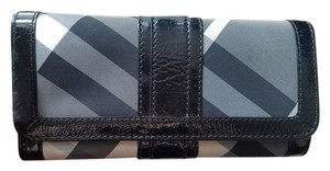 Burberry Burberry Black/White Check Wallet