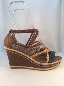 REPORT R2 Brown/ Multi Wedges