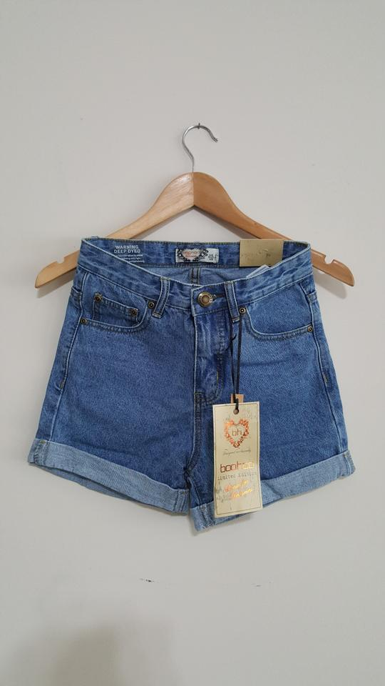 1025d0b6ebb Indigo Boohoo Women s Hetty Roll Up Hem Vintage Mom Cuffed Shorts ...