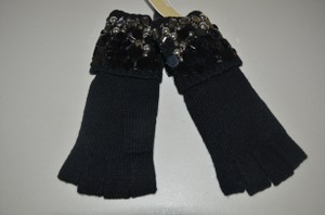 Michael Kors NWT MICHAEL KORS BLACK GLOVES MITTEN WITH GORGEOUS BEADS $128 ONE SIZE