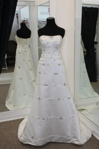 Oleg Cassini Oc228 Wedding Dress