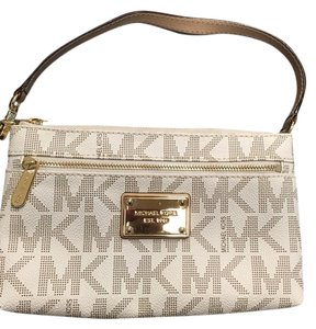 MICHAEL Michael Kors Wristlet in Cream