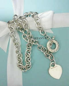 Tiffany & Co. Authentic Tiffany & Co. 925 Sterling Silver Heart Toggle Link Necklace