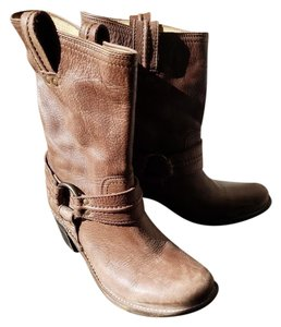 Frye Distressed Light Brown Boots