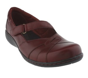 Clarks Mary Jane Red Leather Wine Flats