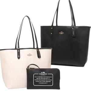 Coach Tote in Black / White