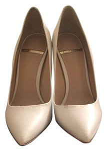Guess By Marciano Leather Leather White Pumps