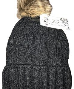 NWT DOUBLE SIDED BEANIE