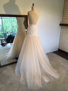 Sz 8 Lace Tulle Sexy Low Back Mermaid Wedding Dress