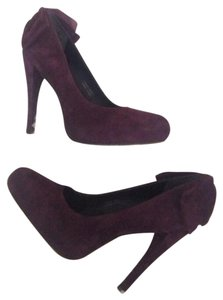 Vera Wang Eggplant purple Pumps