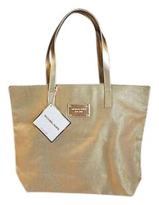 MICHAEL Michael Kors Tote in Gold