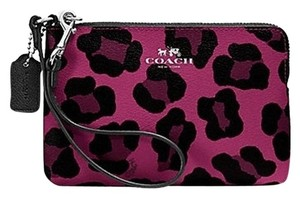 Coach Corner Zip F64238 Wristlet in Cranberry NWT