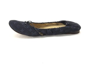 Louis Vuitton Slip Ons Navy Pumps