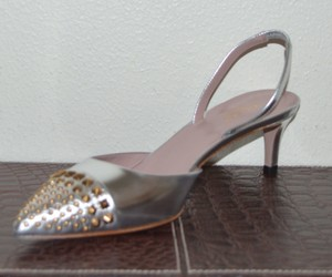 Gucci Leather Silver Pumps
