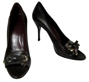 Gucci Brown Gg Logo Heels Pumps
