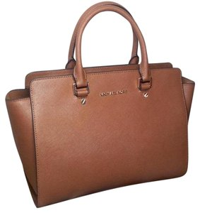Michael Kors Kors Selma Michael Tote in Brown (Luggage)
