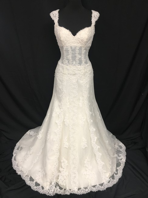 Pronovias Off White Lace Patty Sexy Wedding Dress Size 4 (S) Pronovias Off White Lace Patty Sexy Wedding Dress Size 4 (S) Image 1