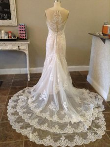 Essense of Australia Ivory/Cafe Lace/Net D1910 Feminine Wedding Dress Size 8 (M)