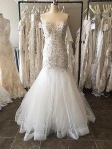 Essense Of Australia D2195 Wedding Dress