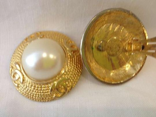 Chanel Authentic, Vintage, Large Pearl, Gold Tone