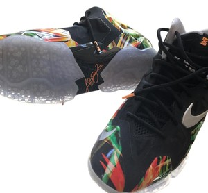 Lebrons limited edition Black/multi Athletic