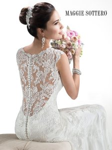 Maggie Sottero Melaie Wedding Dress