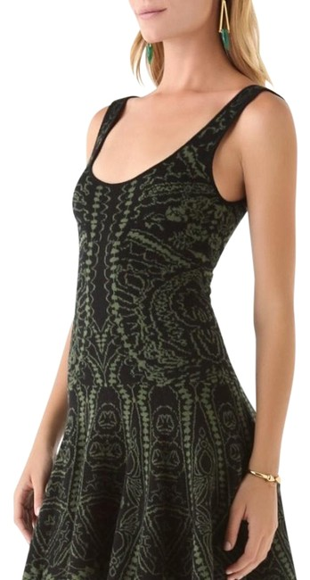 Item - Green Sweater Above Knee Night Out Dress Size 0 (XS)