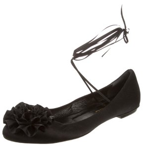 Chanel Round Toe Interlocking Cc Black Flats