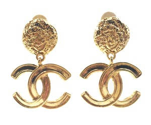 Chanel Vintage Chanel Gold Plated CC Textured Clip on Earrings