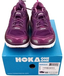 Hoka one one Plum/white Athletic