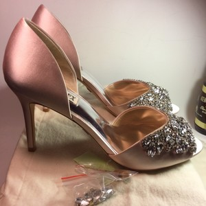Badgley Mischka Satin Wedding Women Jewelry Sale Clearance pink Pumps