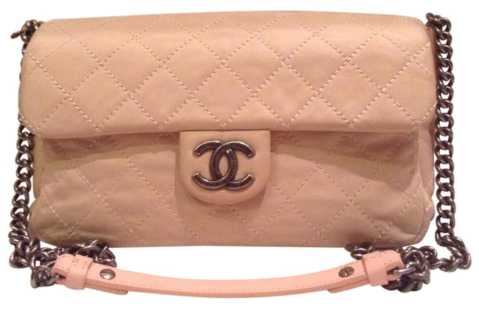 02818bba4368a7 Chanel Classic Messenger L Iridescent Coco Daily Flap Quilted Medium Large  M/L Pink Calfskin Leather Shoulder Bag