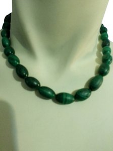 Green malachite bead necklace
